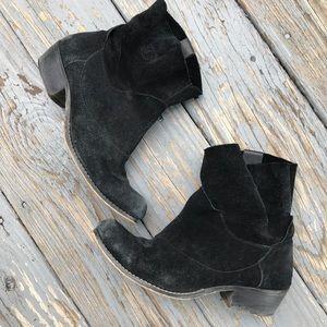 Matisse black suede sz 8 'disco' ankle booties